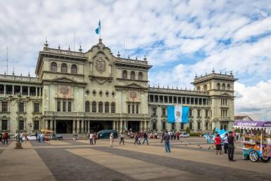 El Centro histórico y sus remodelaciones, licencias y permisos